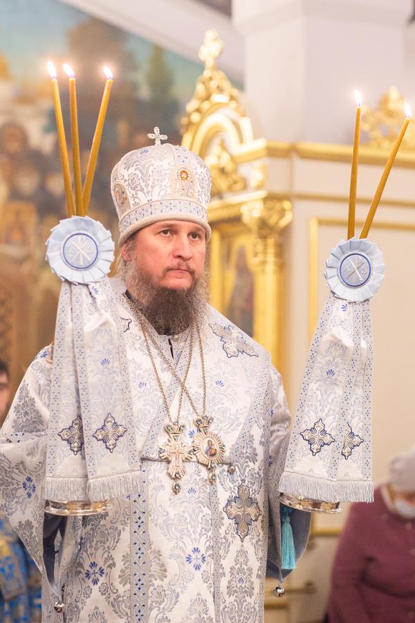 Фото Епископа
